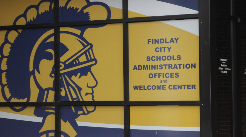 board of education approves contract for findlay teachers