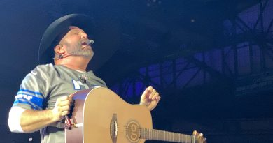 Garth Brooks Stadium Tour – Big Fun In Detroit!