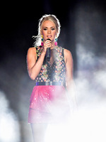 <B>Carrie Underwood, Mike Fisher</B> Get Personal In New Video Series For I Am Second