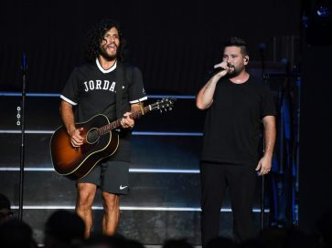 Dan + Shay @ Little Caesars Arena