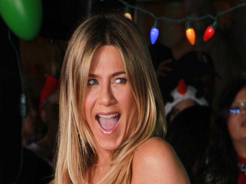 Jennifer Aniston Reveals What She Hates About Dating - E