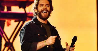 Thomas Rhett Drops New Song In Time To Celebrate Father's Day