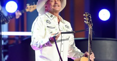 Alan Jackson And Daughter Collaborate On Song For Her First Book
